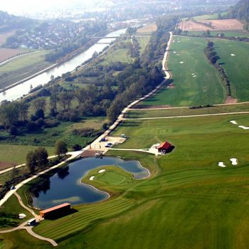 Golfen im Altmühltal mit Hund
