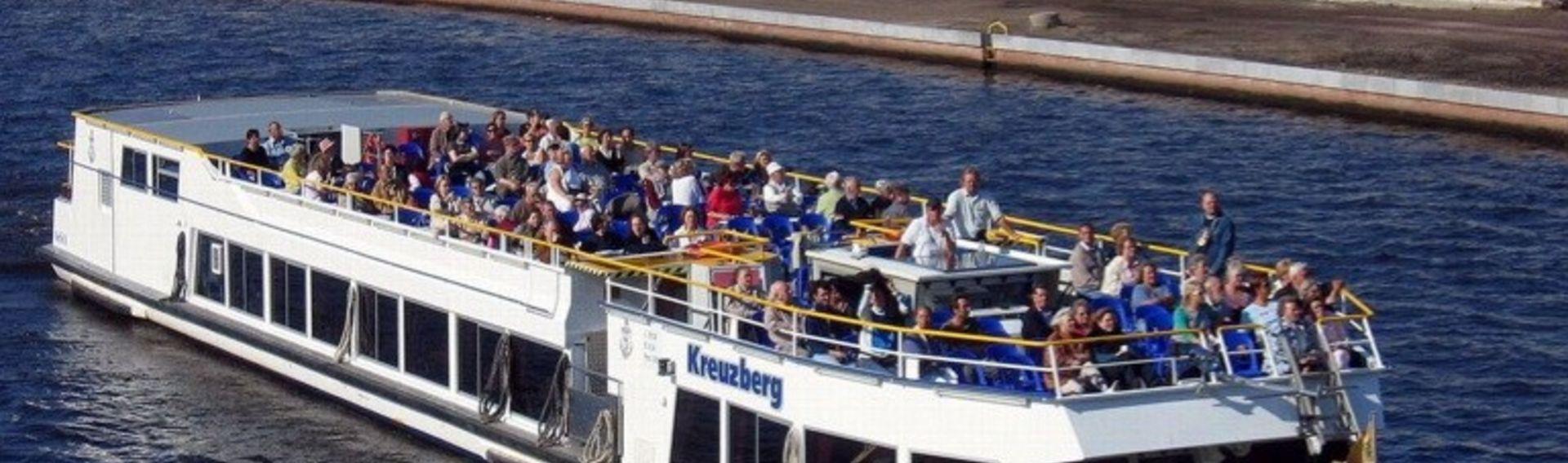 Bootstour Berlin mit Hund – Brückenfahrt