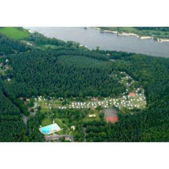 Camping an der Elbe mit Waldschwimmbad