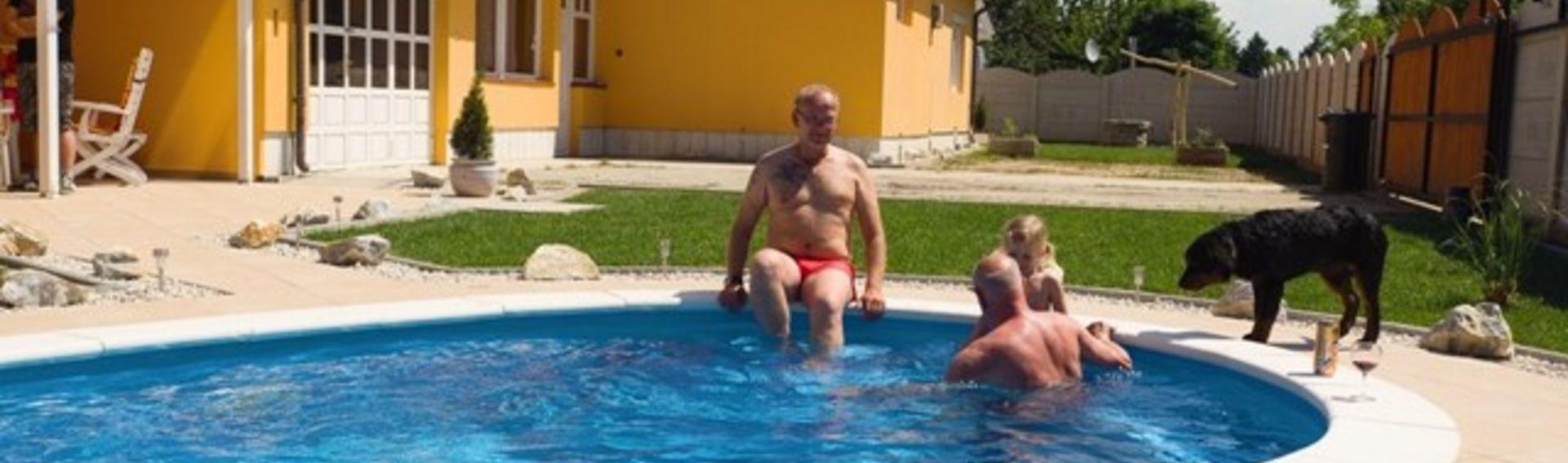 Ferien mit Hund in Ungarn, Ferienapartements für 1-16 Personen mit Pool