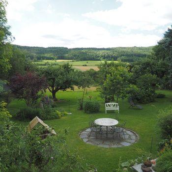 Großes Fränkisches Landhaus bis 12 Personen zur Allein-Nutzung auf 4600 qm Wiese
